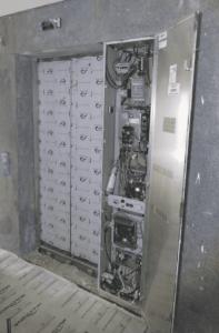 Quadro de comando do elevador sem casa de máquinas
