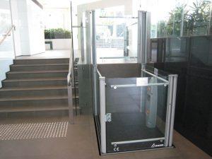 Tudo o que você precisa saber antes de comprar uma plataforma elevatória de acessibilidade